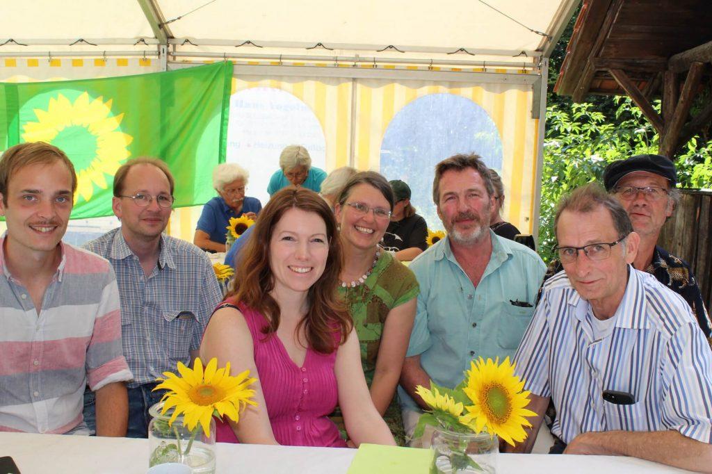 Im Vordergrund Mitte: Dr. Anna Christmann MdB, vorn rechts Willi Halder MdL